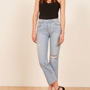 Reformation Danny Mid Relaxed Jeans in Skye 29